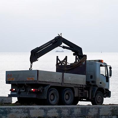 Auto crane truck - 02