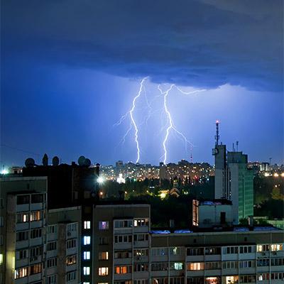City before the rain, thunder, yard, birds