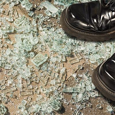 Footsteps on broken glass, jumps