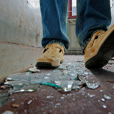 Footsteps on broken glass, slow walk - 01