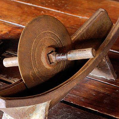 Metal gear wheels rotating - 04