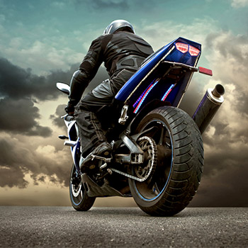 Motorcycle, suzuki 1100, start, revs, pull away - 01