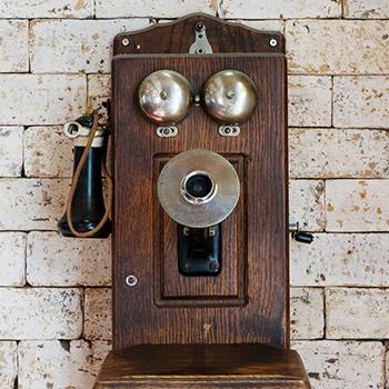 Old telephone ringing - 01