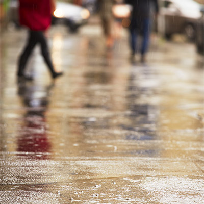 Rain, city, light traffic - 01