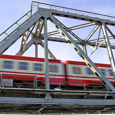 Train, pass by on overhead bridge - 04