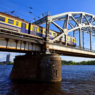 Train, pass by on overhead bridge - 06