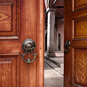 Wood door creak squeak